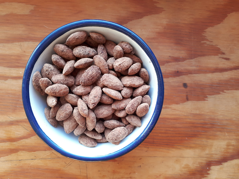 Cocoa Almonds