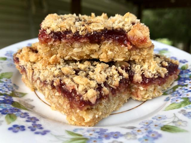 Use-What-You-Got Oatmeal Jam Bar Recipe